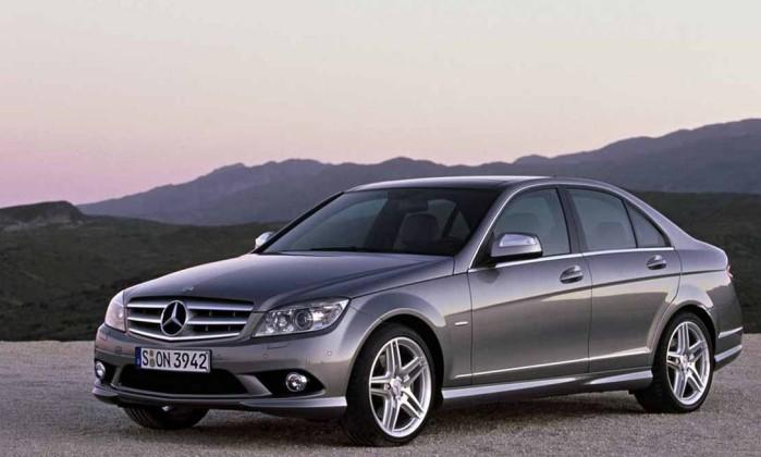 mercedes c200 recall do modelo no brasil carro bonito. Black Bedroom Furniture Sets. Home Design Ideas