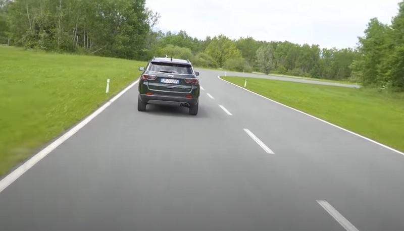 Jeep Compass 2021 traseira